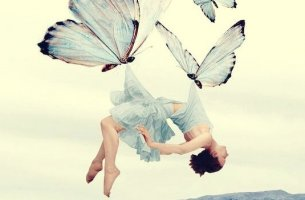 donna-e-farfalle-305x200
