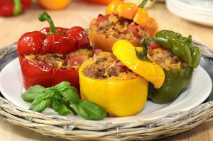 Peperoni-ripieni-di-carne-piatto-albanese