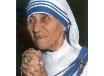Madre-Teresa-di-Calcutta_crocifisso-large